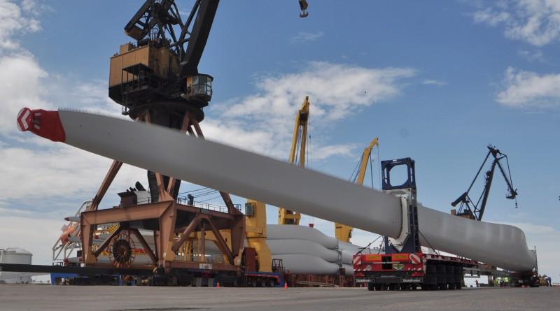 arribo de aspas para molinos de vientos energias renovables