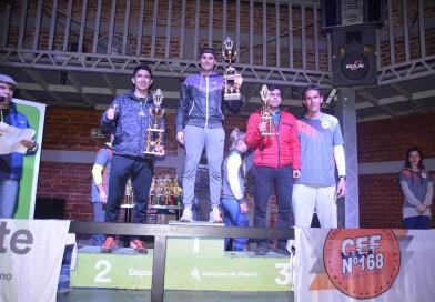 Cientos de corredores de toda la región participaron de la Vuelta Nocturna aLa Salada