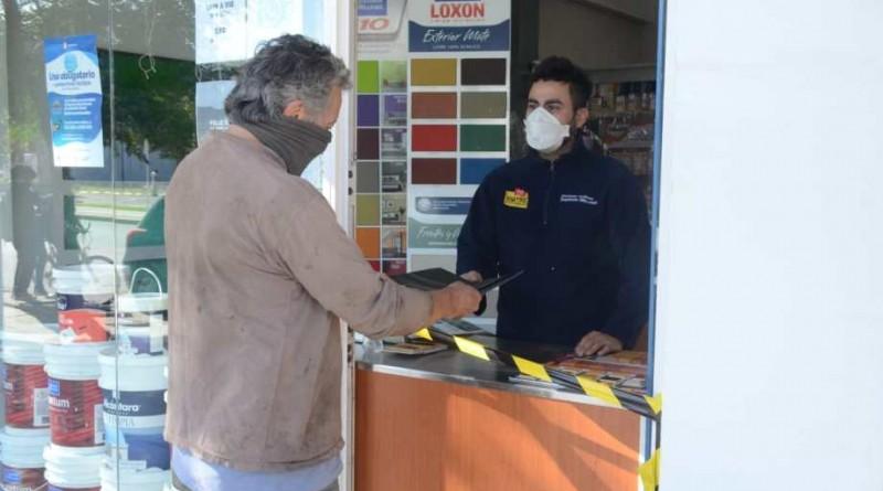 Villarino extiende hasta las 20 el horario de comercios y levanta el aislamiento estricto en Mayor Buratovich